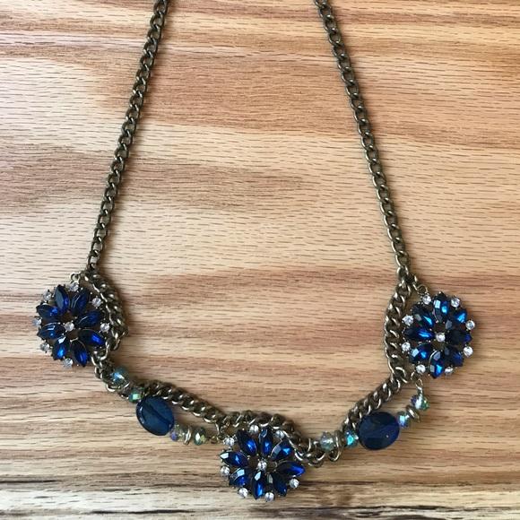 Jewelry - Vintage blue stone statement necklace